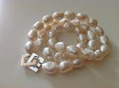 Store hvide barokke perler