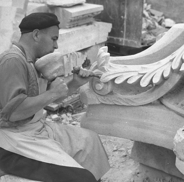 Stone mason at work on a capital, Bath & Portland Stone Firms Ltd., West Wells Masonry Works, Corsham.