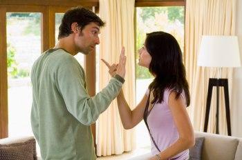 زوج عنيد وزوجة عنيدة…فما الحل - رجل وامرأة يتشاجران - man and woman fighting