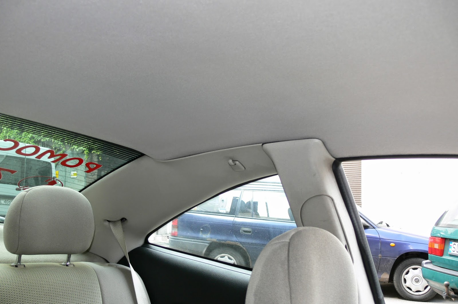 czyszczenie podsufitki samochodowej