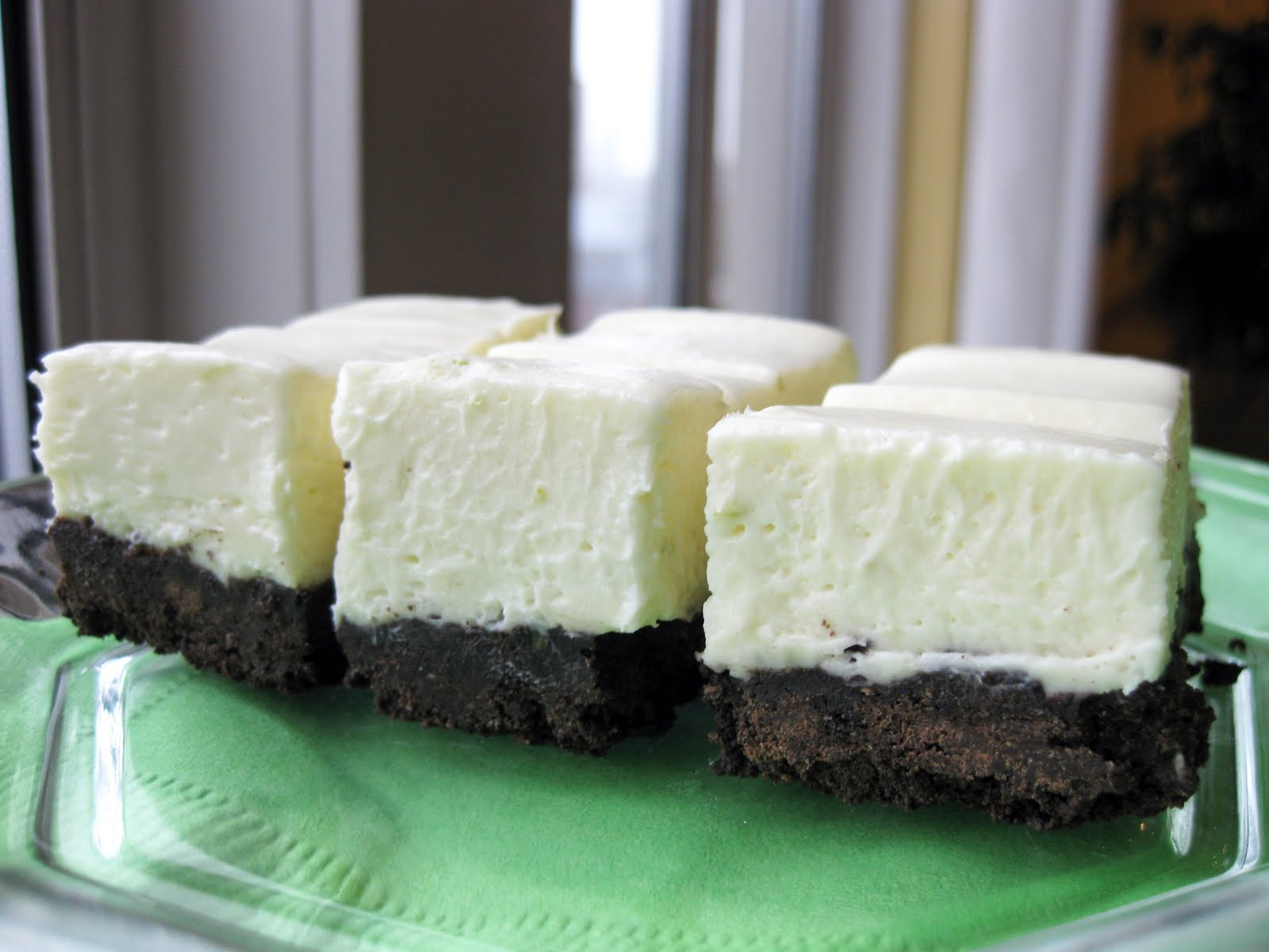 these white chocolate cheesecake bars look handsome and are always in ...