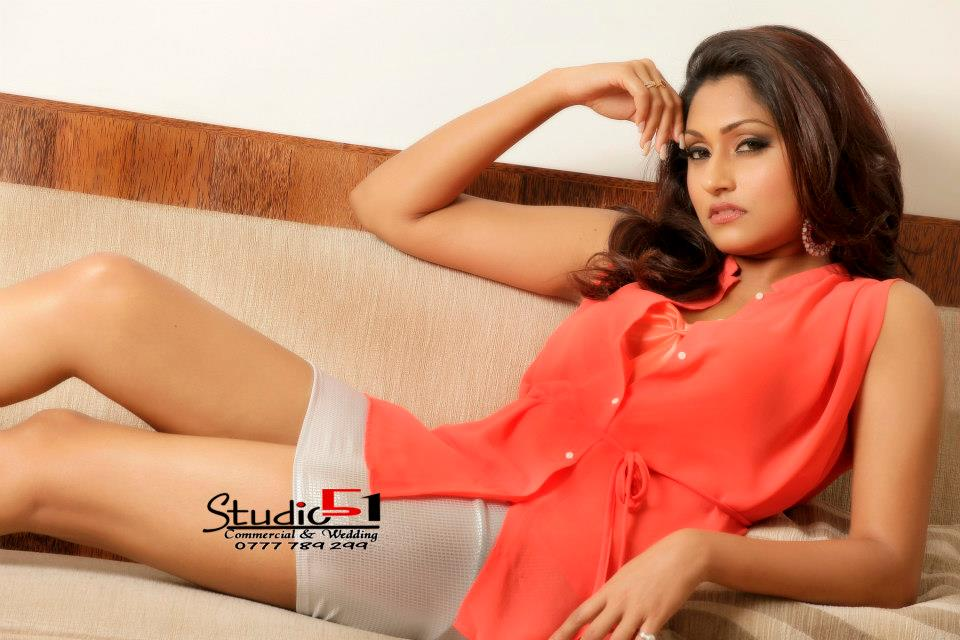 sl girls aruni rajapaksha hot new