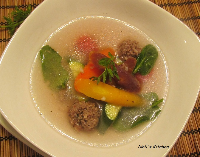 Beef Ball Soup with Rainbow Carrot