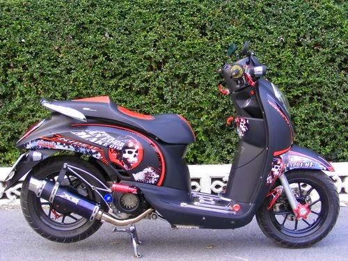 Modifikasi Motor Honda Scoopy Hitam Terbaru