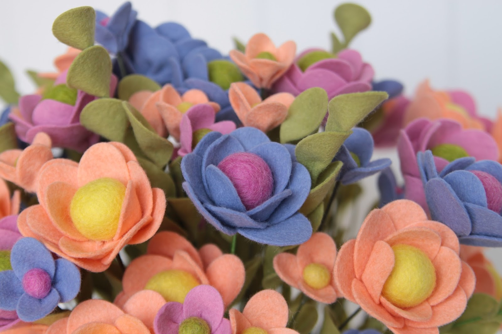 Benzie A fanfare of felt Felt Flower Tutorial
