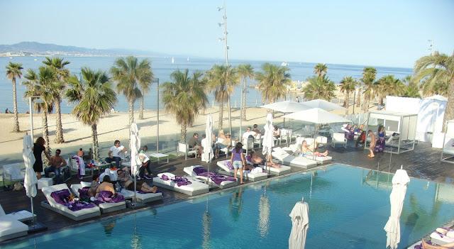 W barcelona el hotel de playa m s chic de la ciudad w for W barcelona bar
