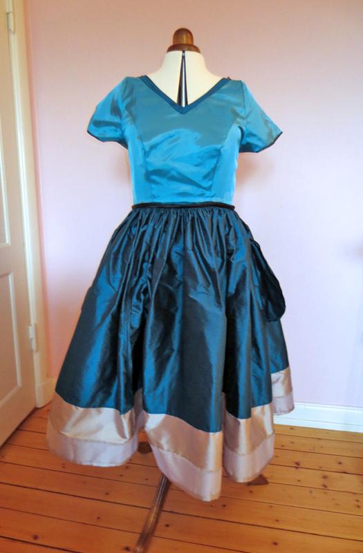 Sidenklänning dupion Stina P insida