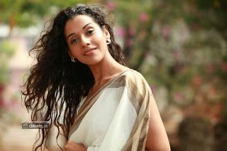 Actress-Anu-Priya-Stills-in-Saree