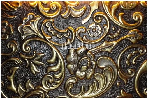 kerajinan logam motif batik