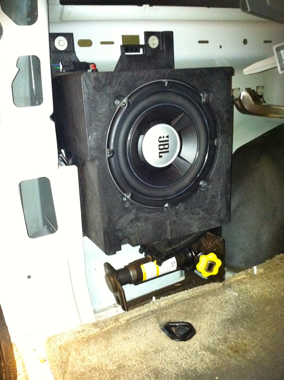 Bose Subwoofer Box Design >> Car Audio Tips Tricks and How To's : 2000-2006 Chevy Tahoe Factory Sub Upgrade, JBL 8 inch.