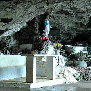Gruta Nossa Senhora das Graças, no Parque da Gruta, em Otávio Rocha, Flores da Cunha