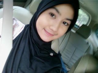 foto cewek jilbab asal lowayu dukun gresik dan senyum indah cewek