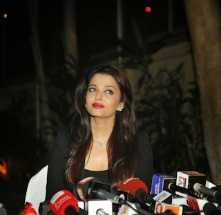Actress Aishwarya Rai Bachchan Celete her 41st Birthday With Media 20