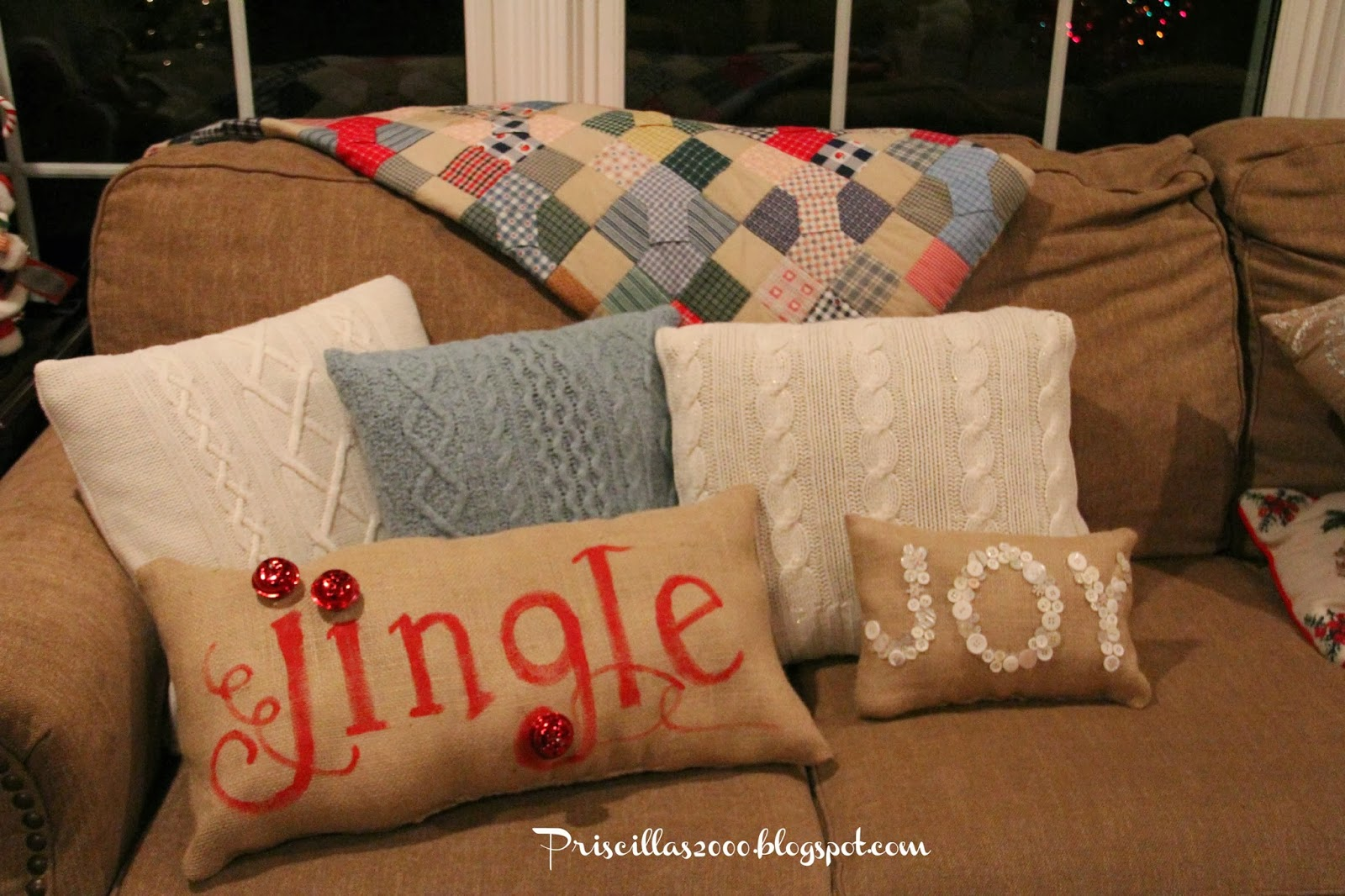 Priscillas: Pottery Barn Inspired Christmas Pillows
