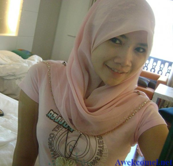 Girls showing their movies