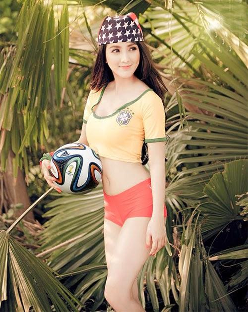 Thư giản Ngắm Linh Napie đẹp gợi cảm trong màu áo Brazil