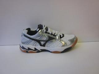 Sepatu Mizuno Wave Drive