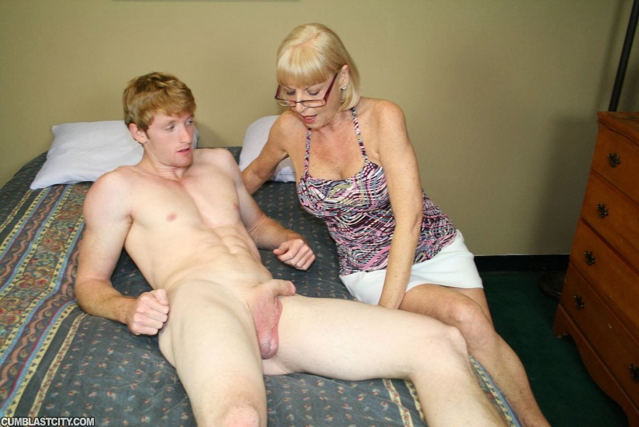 Naked Slutty Grannies 101