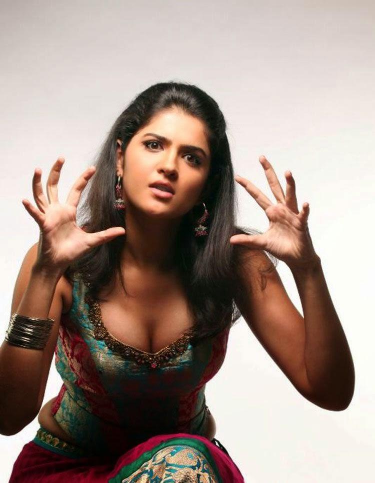 33***SHOCKING***Deeksha Seth Hot Photos From Lekar Hum Deewana Dil Movie