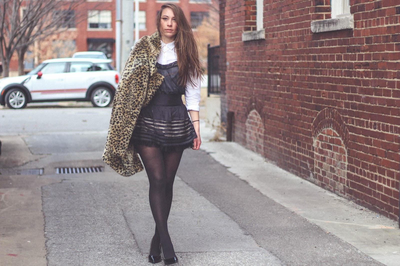 black and white outfit, monochrome outfit, classy outfit, audrey hepburn style,