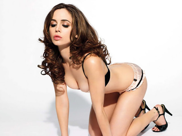 Eliza Dushku sexy in bikini fashion
