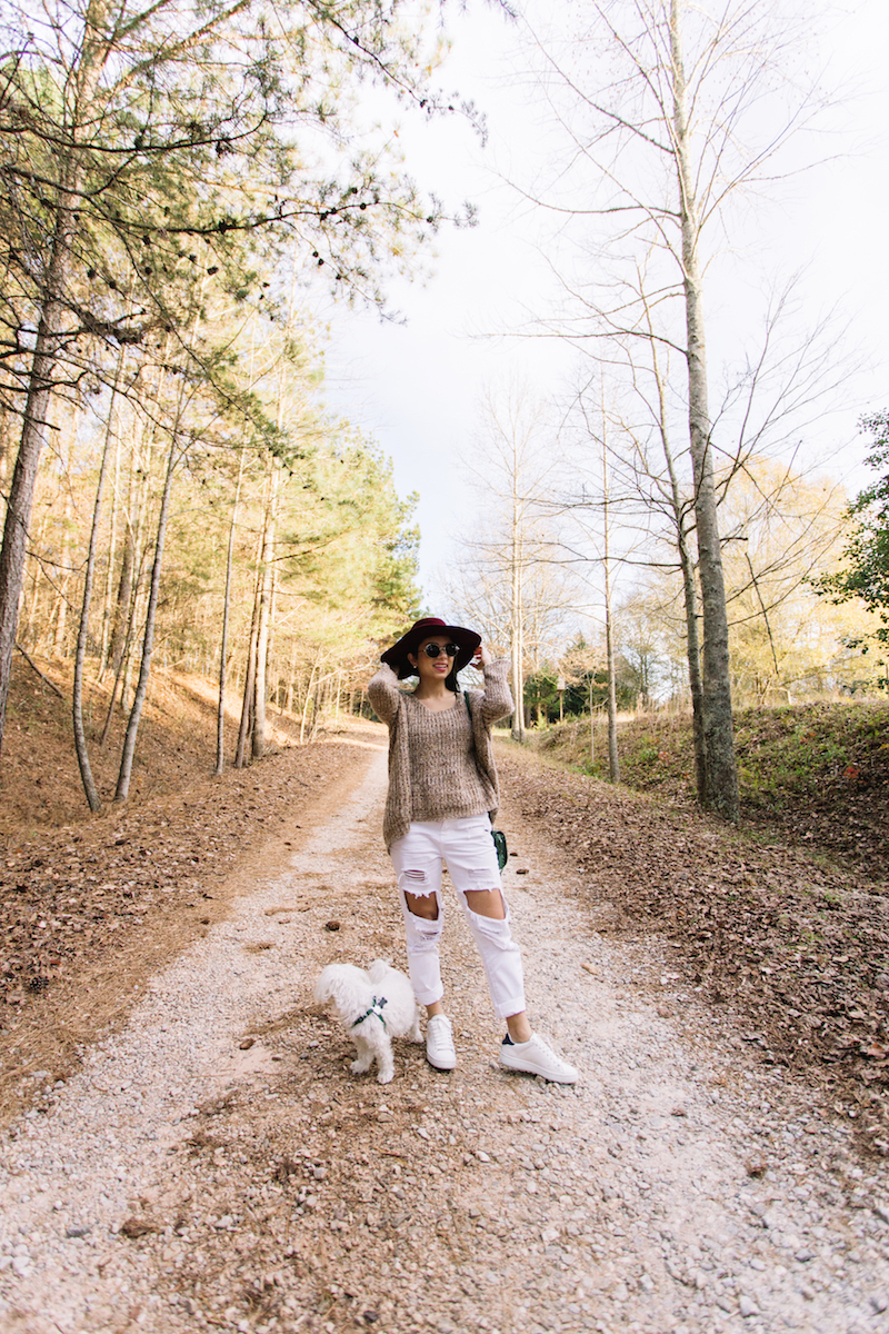 coach, road trip, georgia, free people, green handbag, forever 21, round sunglasses, velvet hat, love dirty rich, white ripped jeans, travel, lifestyle, rabun gap, miami fashion blogger