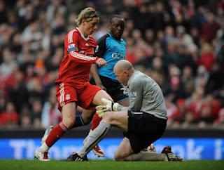 http://4.bp.blogspot.com/-19x0s1HXqAo/T3vNFKoe4II/AAAAAAAAAM4/E0qSGoepiZw/s1600/Liverpool+vs+Aston+Villa.jpg