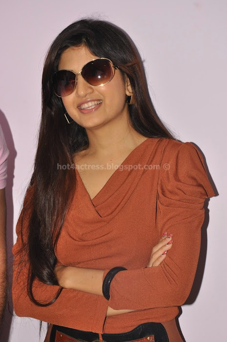 Hot poonam kaur latest photos