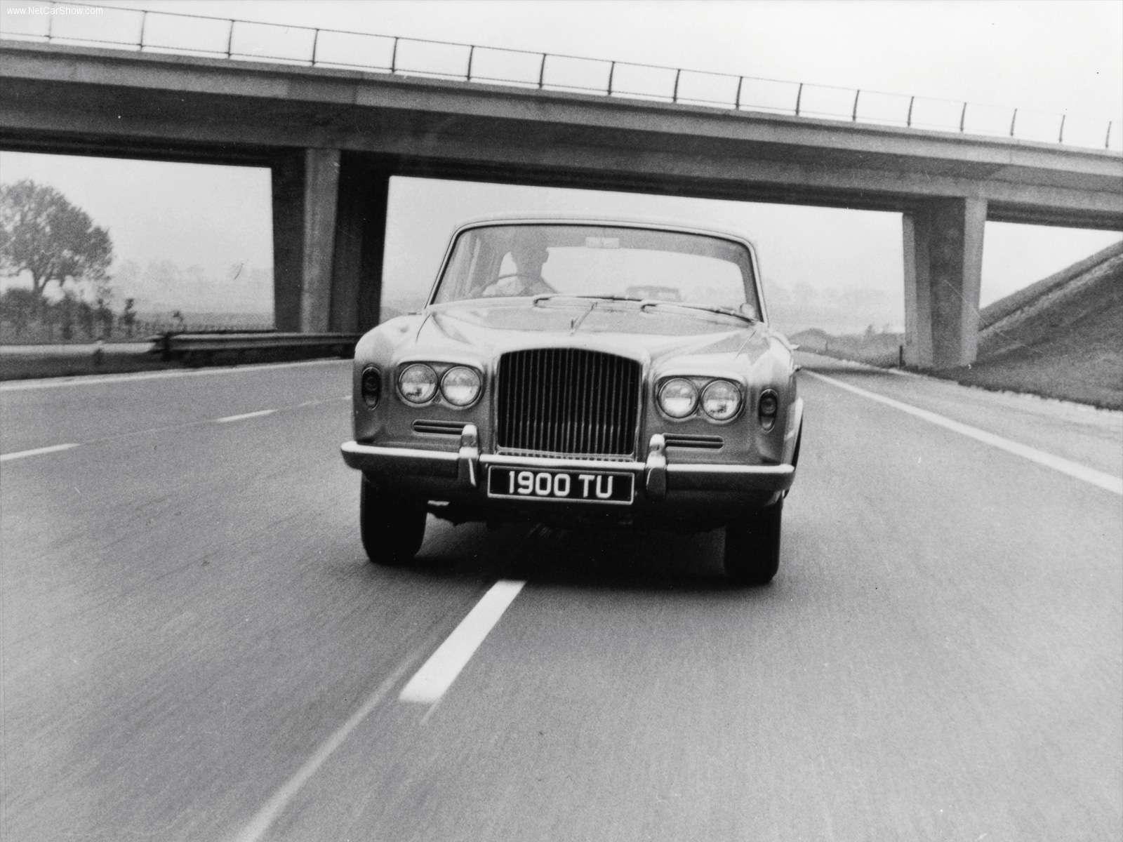 Hình ảnh xe ô tô Bentley T2 1977 & nội ngoại thất