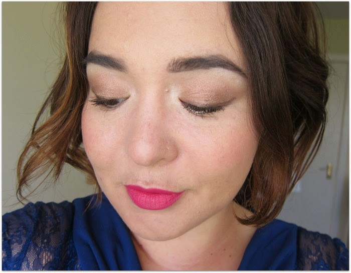 Irish beauty blogger Emma from Fluff and Fripperies