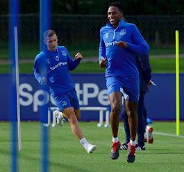 Yerri Mina entrena con el Everton