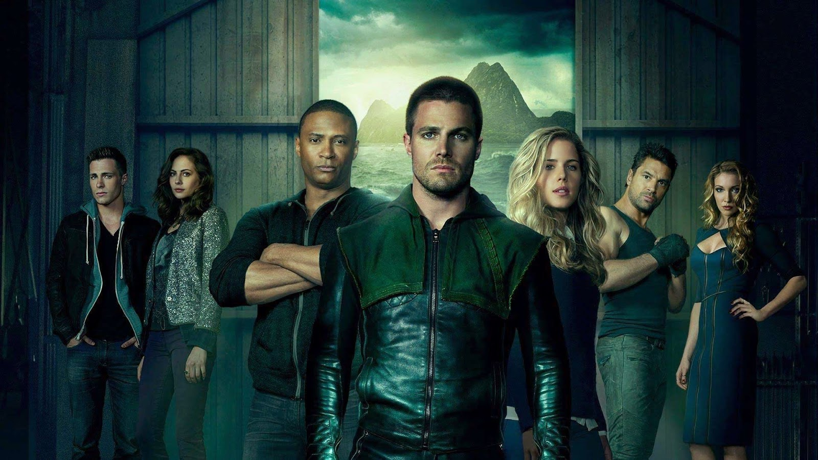 stephen-amell-is-the-green-arrow-on-cw