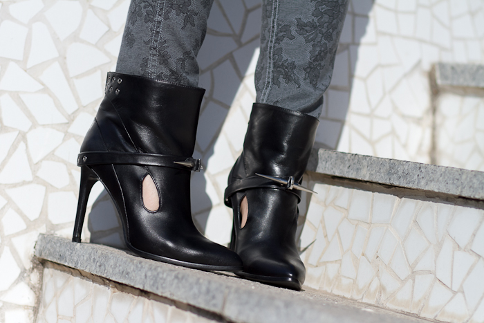 Botines con tachuelas y pinchos / Studded and Spiked Ankle Boots: JOSIF by JESSICA BUURMAN