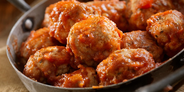 turkey, meatballs, party appetizer, healthy holiday recipes, gluten free meatballs, Brenda Ajay, healthy party food, healthy Italian food, slow cooker recipes, crock pot recipes, 21 Day Fix recipes