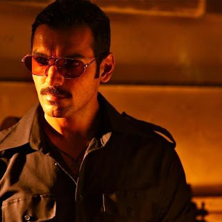 Aala Re Aala Manya Lyrics - Shootout at Wadala