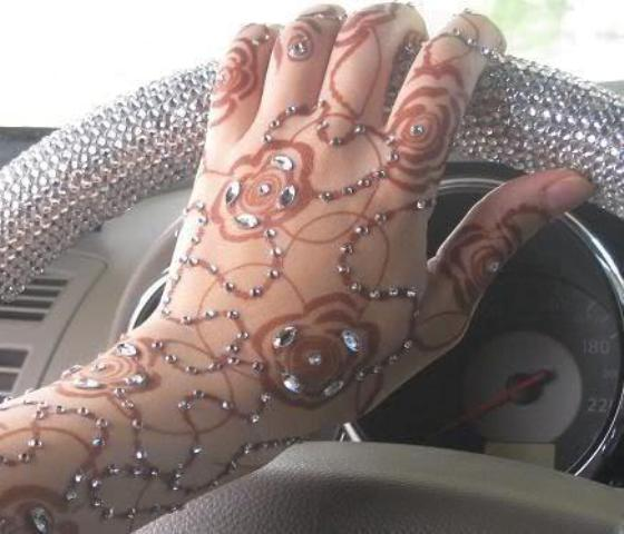 Beautiful-Mehndi-Designs-2012-For-Hands-