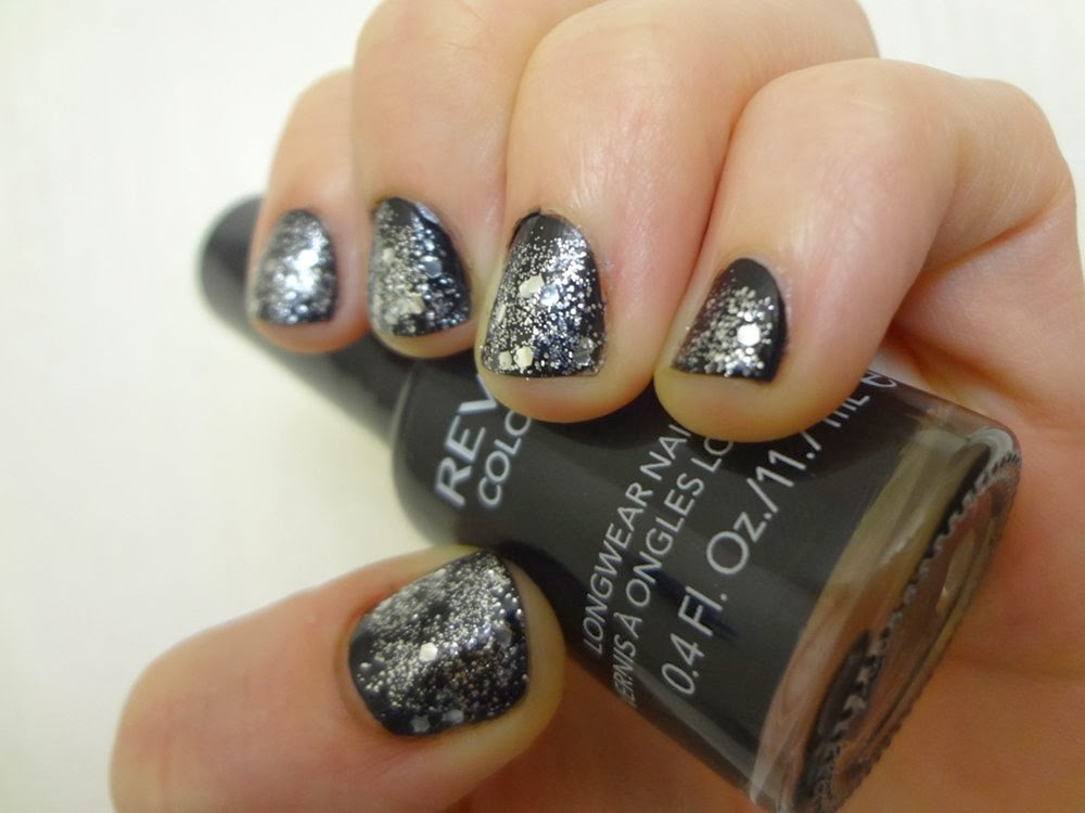 aka Bailey: Starry Night New Year\'s Eve Nails
