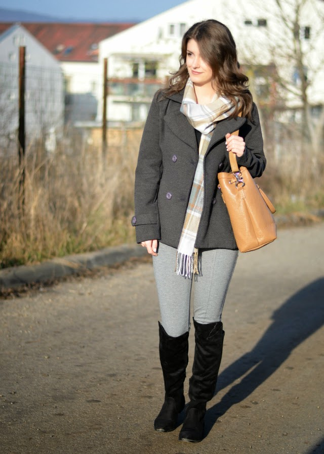 how to wear grey leggings with black knee high boots