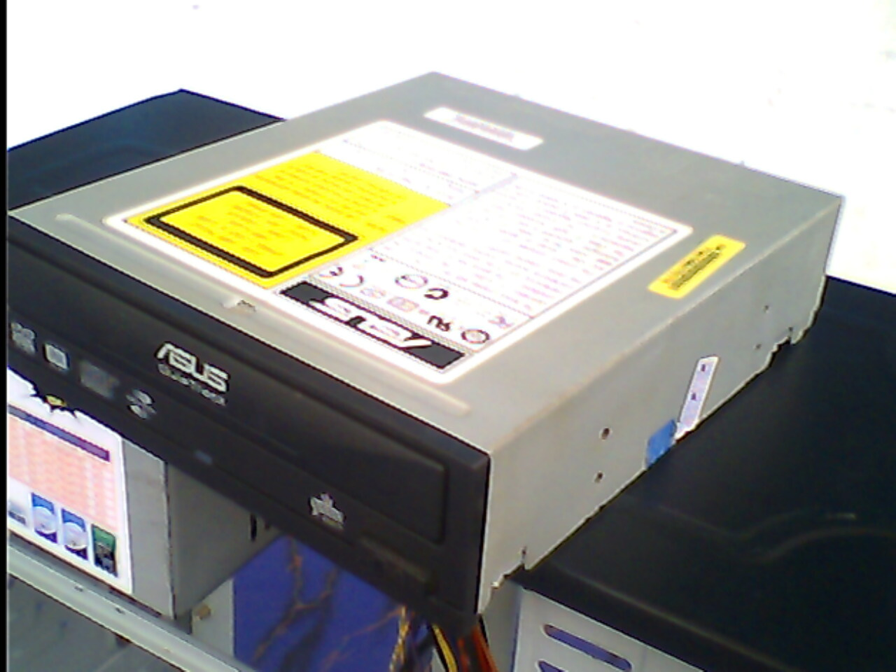 mengatur data komponen komputer lain