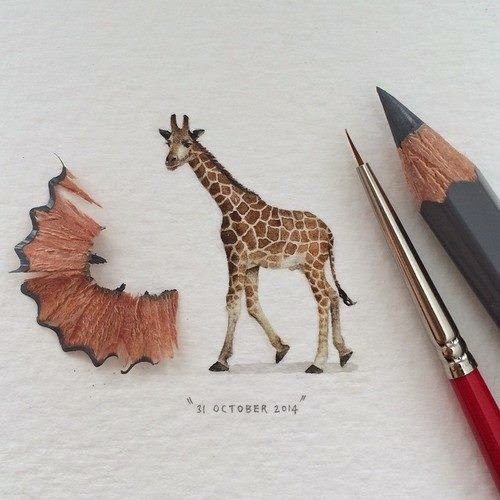 12-Giraffe-Lorraine-Loots-Miniature-Paintings-Commemorating-Special-Occasions-www-designstack-co