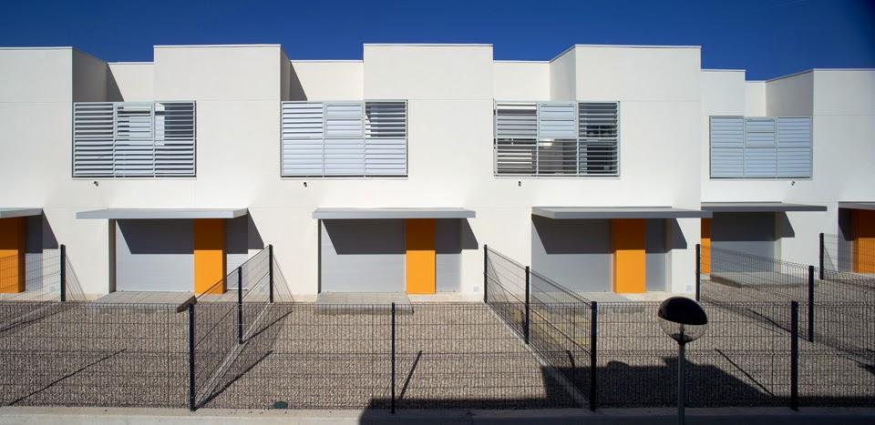 cuando la luz modela viviendas sociales en tarragona espaa de aguilera guerrero arquitectos