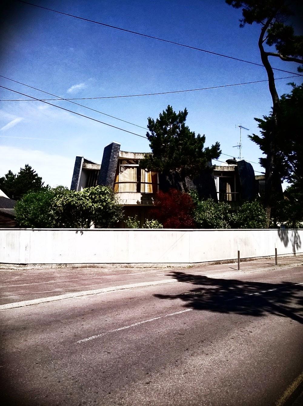 Le doigt dans l 39 oeil du design maison eugene leseney for Parent architecte