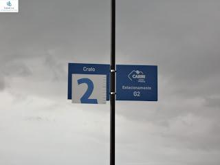 Placa do estacionamento já com o novo logotipo.