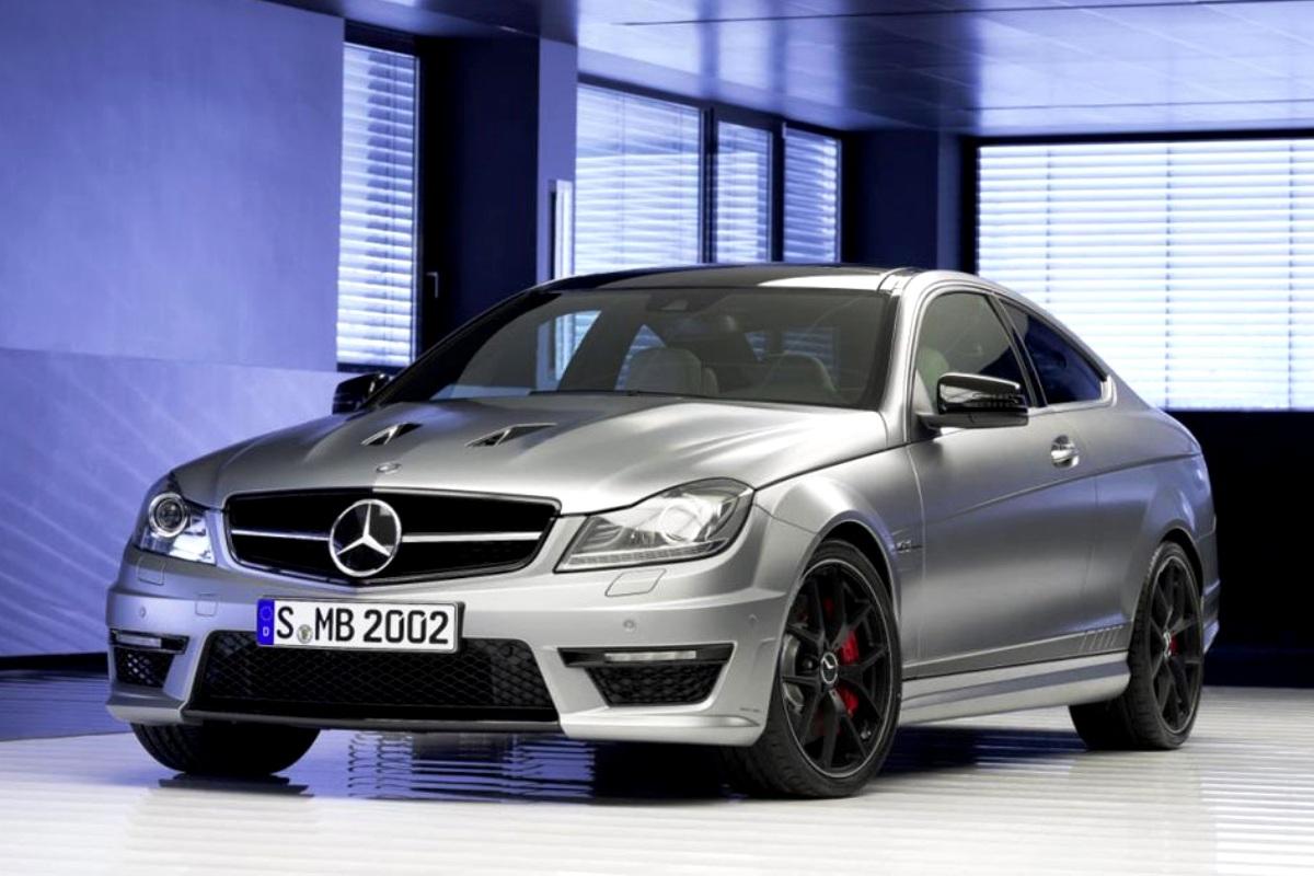 Mercedes-Benz C63 AMG 507 Edition. Majalah Otomotif Online