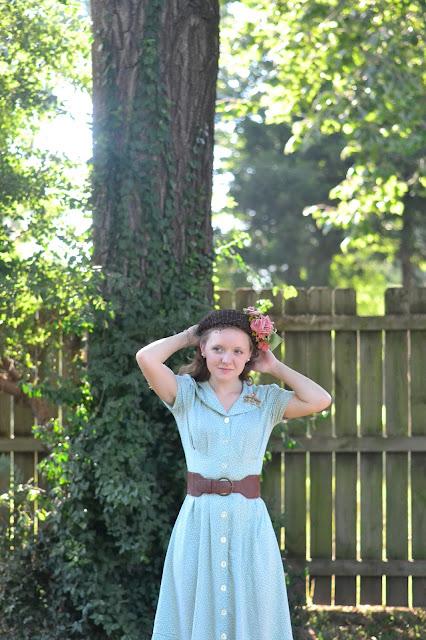 Flashback Summer: Softness - 1940s vintage fashion outfit