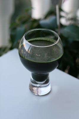 Grumsete, grønn juice