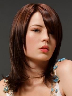 http://4.bp.blogspot.com/-1DO3qDnDYjA/TzAyINVmrHI/AAAAAAAAABU/2_madA6AYdE/s1600/2012--medium-hairstyles.jpg