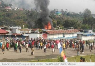 gambar masjid papua di bakar