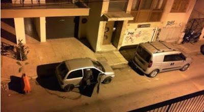 Βίντεο: Η κάμερα τους «έπιασε» να κλέβουν σταθμευμένα αυτοκίνητα