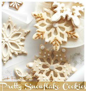 Delicious Snowflake Cookies they are a must-have treat of the season.